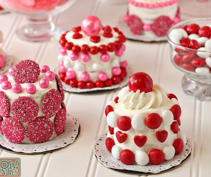 Mini Valentine cakes